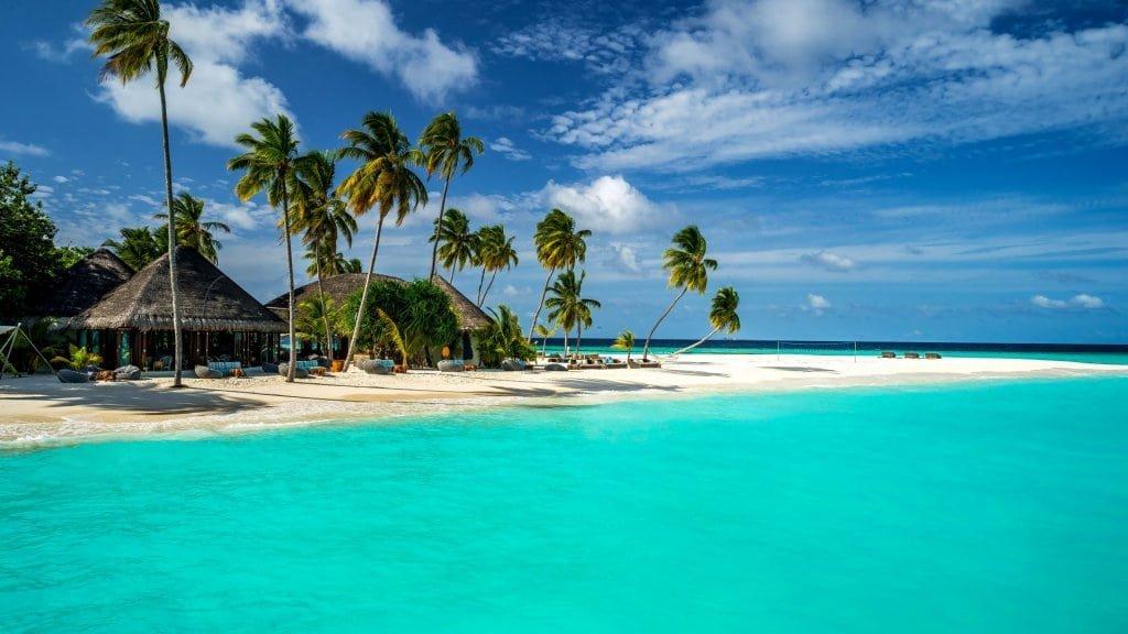Почему всех привлекают Мальдивы?
