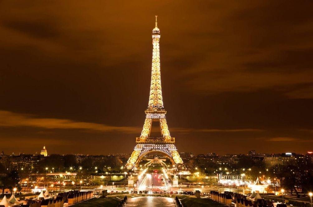 Как дешево добраться до Парижа из Москвы