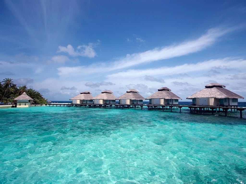 🏝 Вдвоем на райский остров 🏝 Тур на двоих на Мальдивы на 6 ночей за 143 734 р., вылет 22 июня.