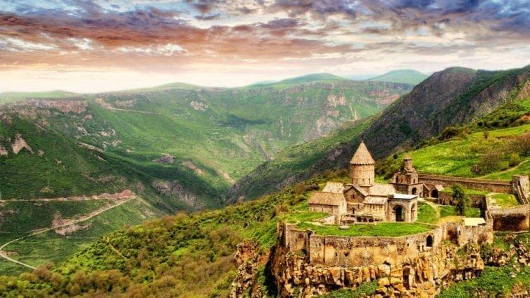 Вдвоем в Ереван. Тур на двоих в Армению на 4 ночи за 36 255 р., вылет 11 июля.
