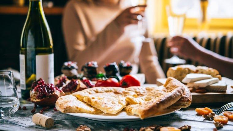 Кухня Сочи, что стоит попробовать в отпуске 2018?