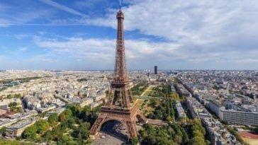 Романтичный тур в самый романтичный город. Тур на двоих в Париж на 5 ночей за 65 499 р., вылет 15 августа.