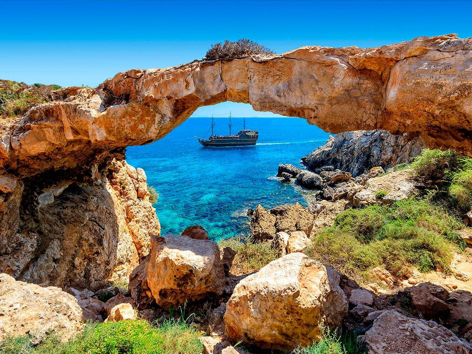 В январе на Кипр! Тур на двоих на неделю с 19 января за 34 949 р.
