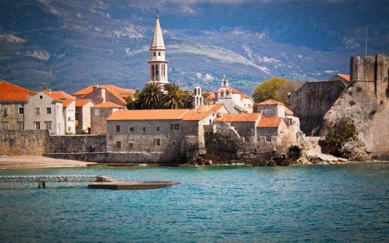 Горящий тур на двоих в Черногорию! 5 ночей с 4 июня за 35 414 р.