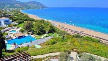 Тур по цене перелета. На Кипр на 9 ночей с вылетом 13 июля за 30 372 р.
