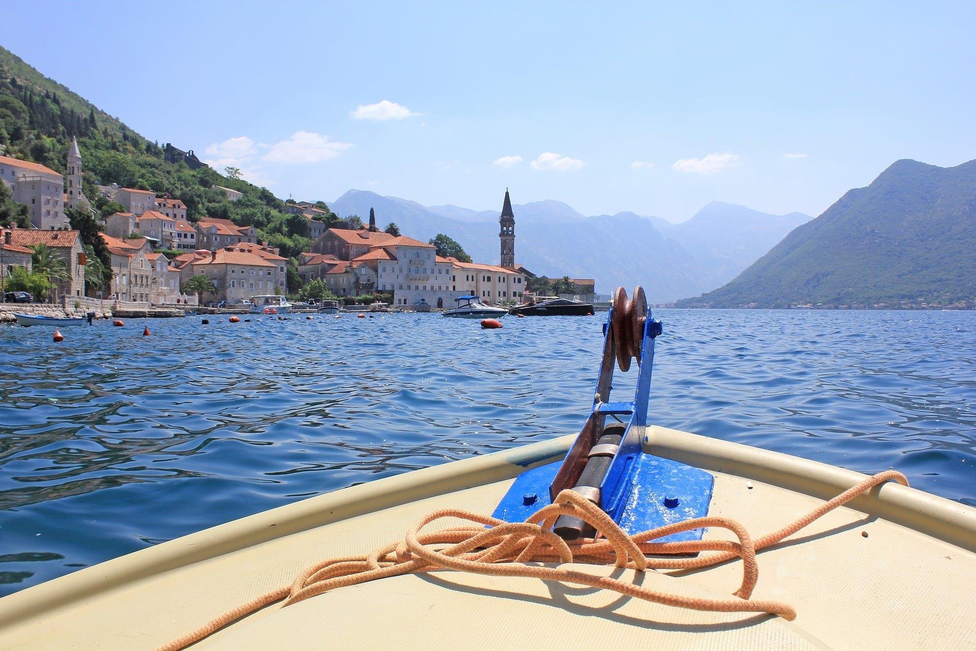 куда поехать вчерногории