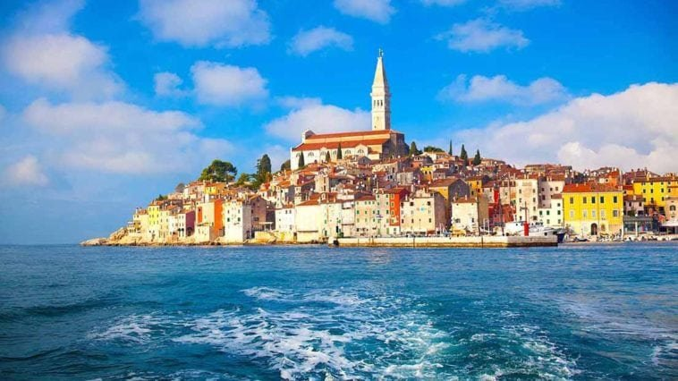 Неделя в Хорватии в бархатный сезон. Тур на двоих в Пореч (Хорватия) на 7 ночей за 45 914 р., вылет 17 сентября.