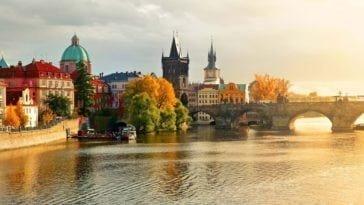 Бюджетный тур в Европу. Тур в Прагу на 5 ночей за 22 700 р., вылет 16 ноября.