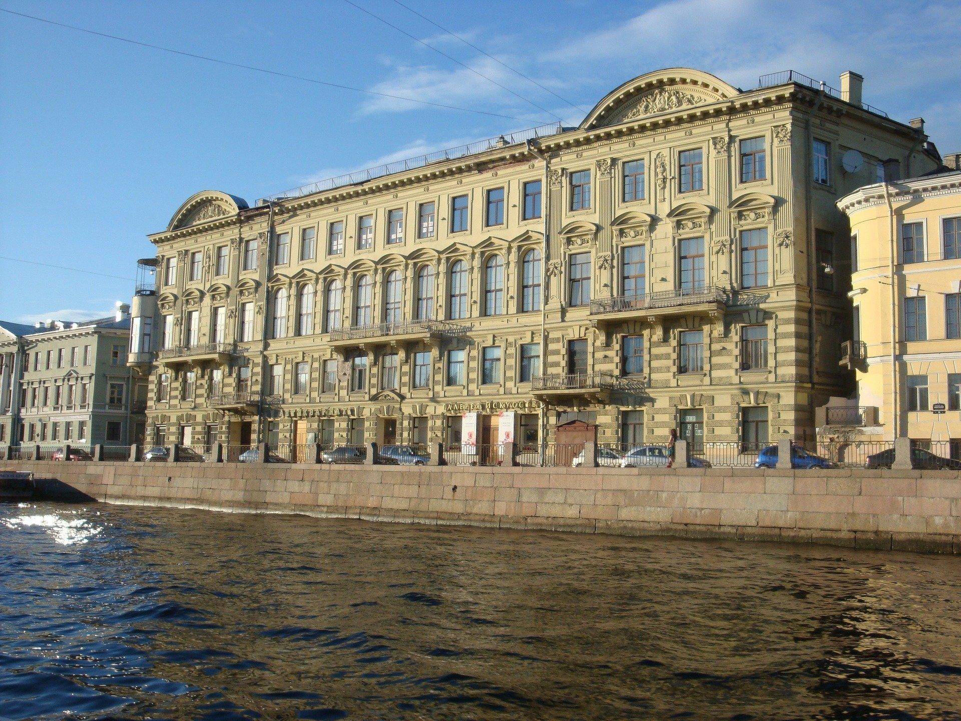 Где дешево остановиться в Санкт-Петербурге переночевать?
