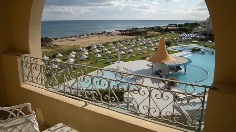 Стоит ли ехать в Тунис на отдых? Обзор страны